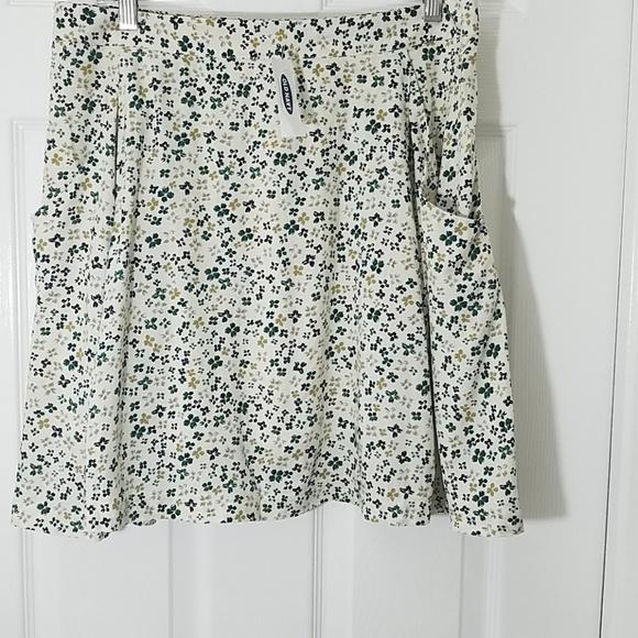 Old Navy Dresses & Skirts - Old Navy Floral Skirt
